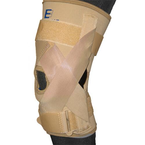 Rodillera para ligamentos cruzados y colaterales con bisagra céntrica